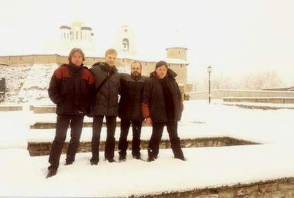 САДЪ на фоне Псковского Кремля