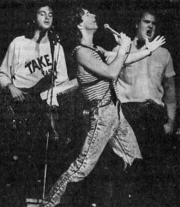 На сцене — группа «Зодчие».